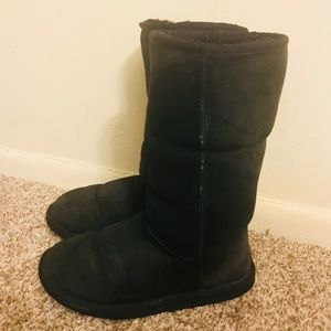 UGG Woman's Black Tall Boots Size 6